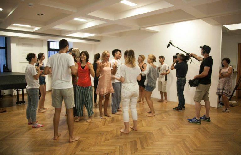 Arte TV Balkanske Metropole Alice in WonderBand Telo kao instrument